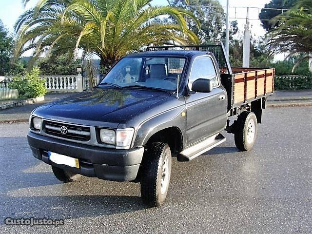 toyota hilux 4x4 cabine simples