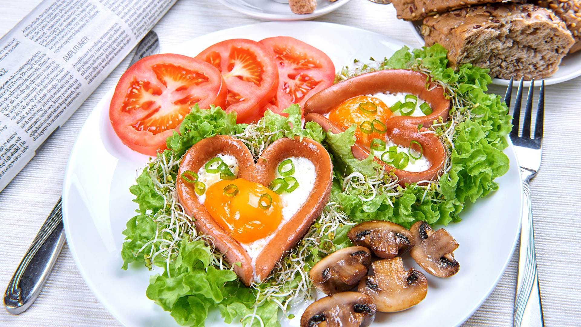 Ve ables Tomatoes Mushrooms Plate Heart Fried